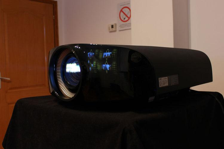 Sony VPL-VW1000ES U1