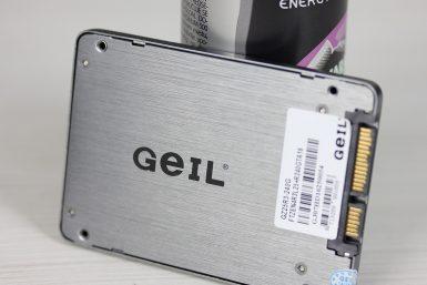 Geil Zenith R3 240GB 001 T
